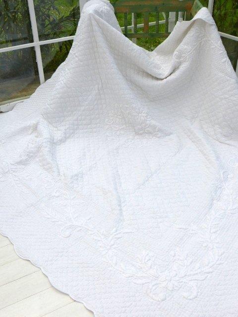 boutis-bianco-provenzale-sud-etoffe